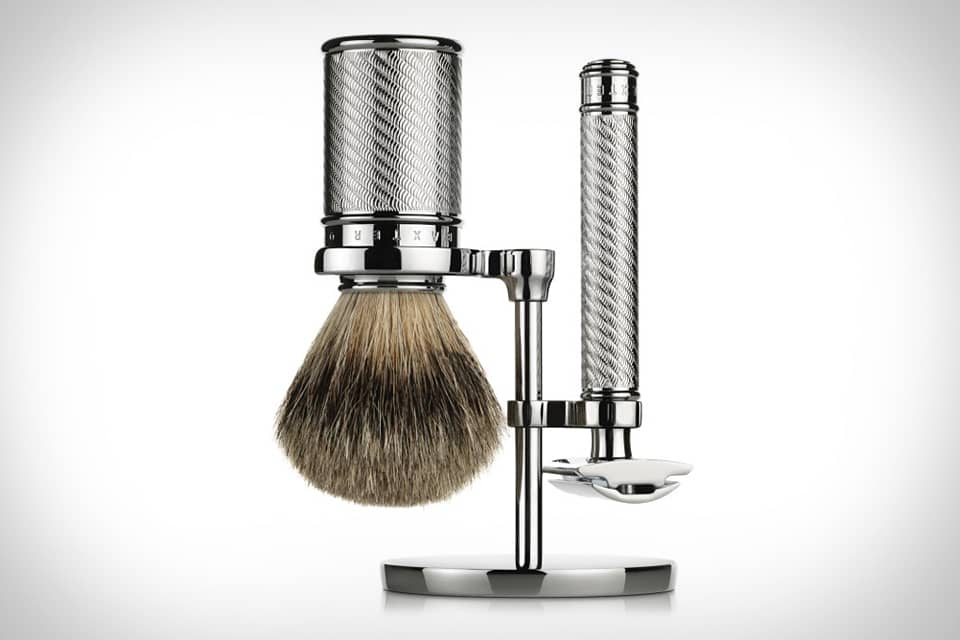 Professional set of safety razor and brush